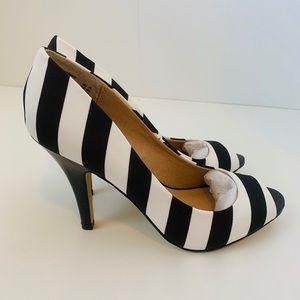 Open toe striped heels